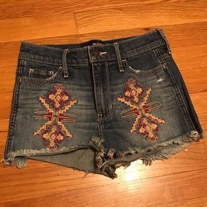Hollister size 23 (00) high rise shorts